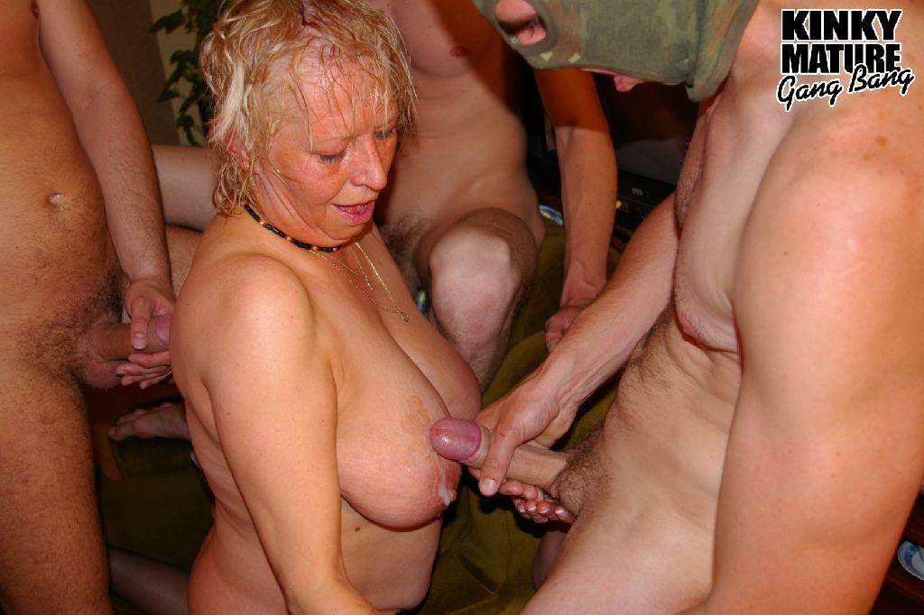 старушки хотят групповушки