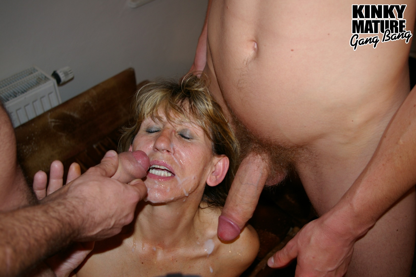 Fucking hot! Granny gangbang sex love eat